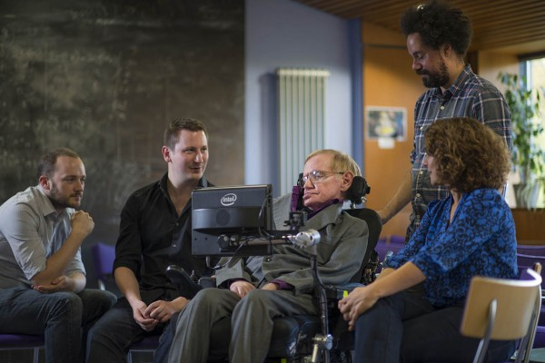 Intel Stephenu Hawkingu pruža mogućnost bolje komunikacije s vanjskim svijetom