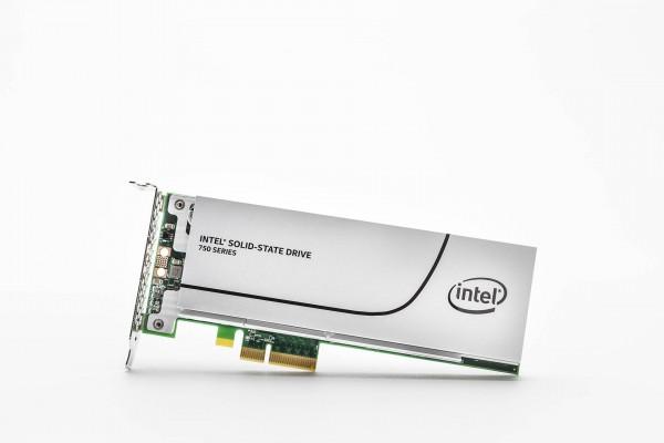 Intel predstavio klijentski SSD disk dosad najvećih performansi