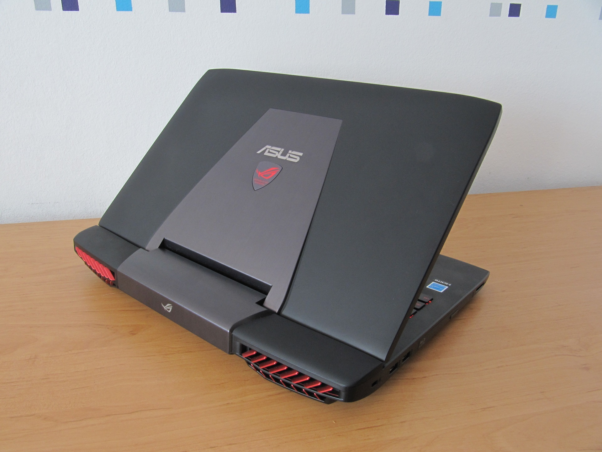 Asus ROG G751JY – prenosivo računalo