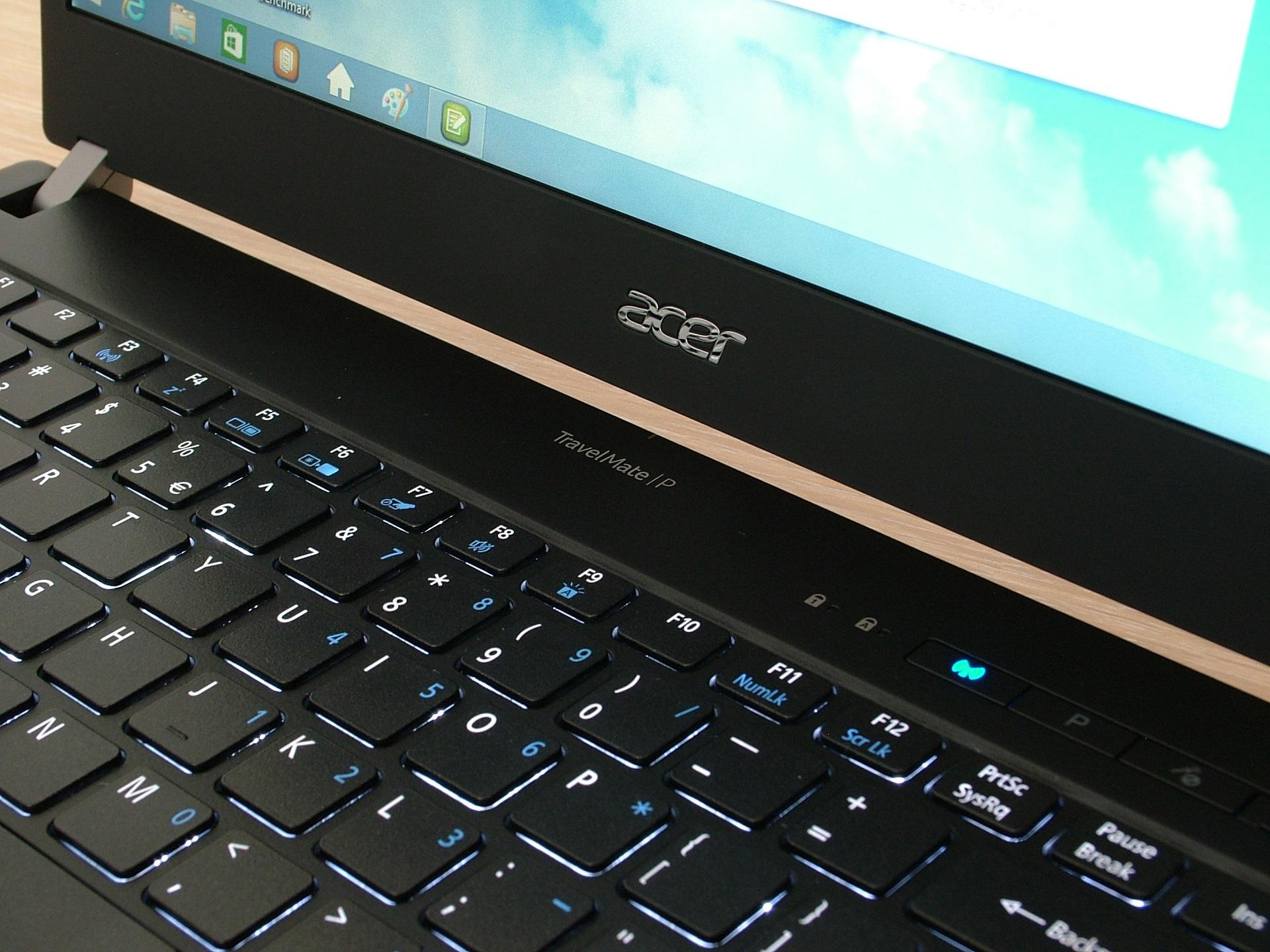 Acer Travelmate P645 – perolaki poslovnjak