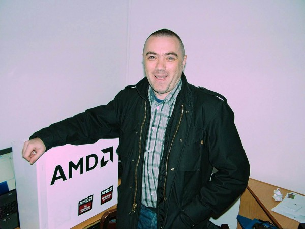 amd_christmas_2015_tihomir