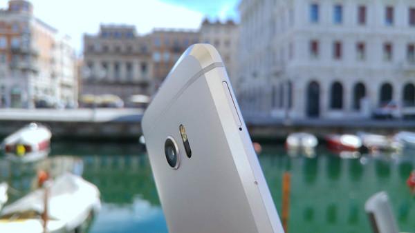 HTC pokušava potaknuti  prodaju uređaja akcijskim cijenama