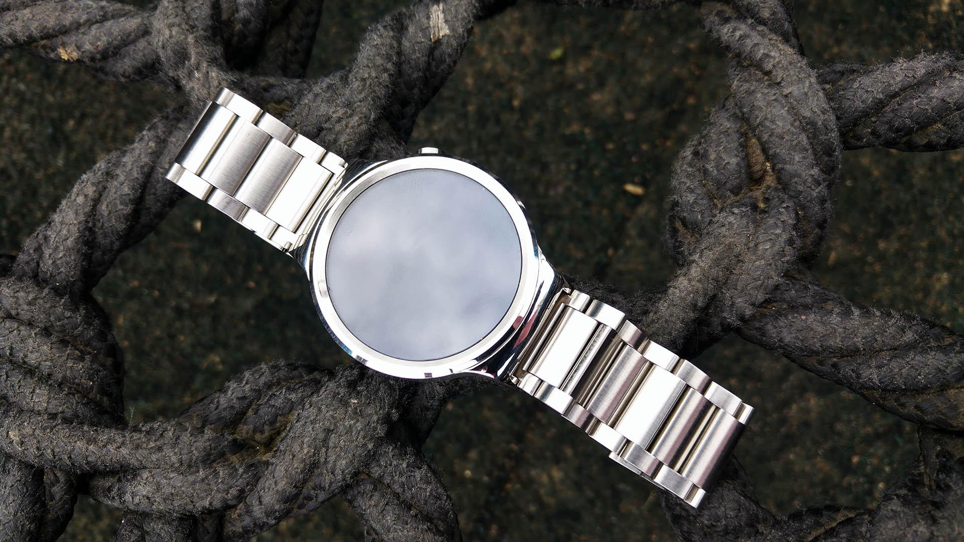 Huawei Watch recenzija