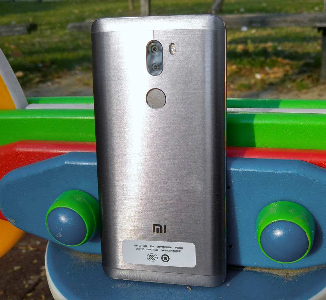 Xiaomi Mi5s Plus recenzija