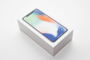 apple_iphone_x_1
