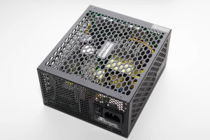 seasonic_prime_fanless_600w_6