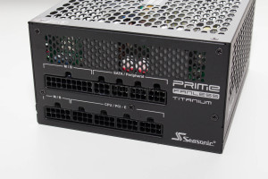 seasonic_prime_fanless_600w_9