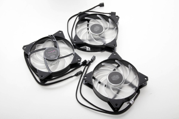 coolermaster_mf120r_addressable_6