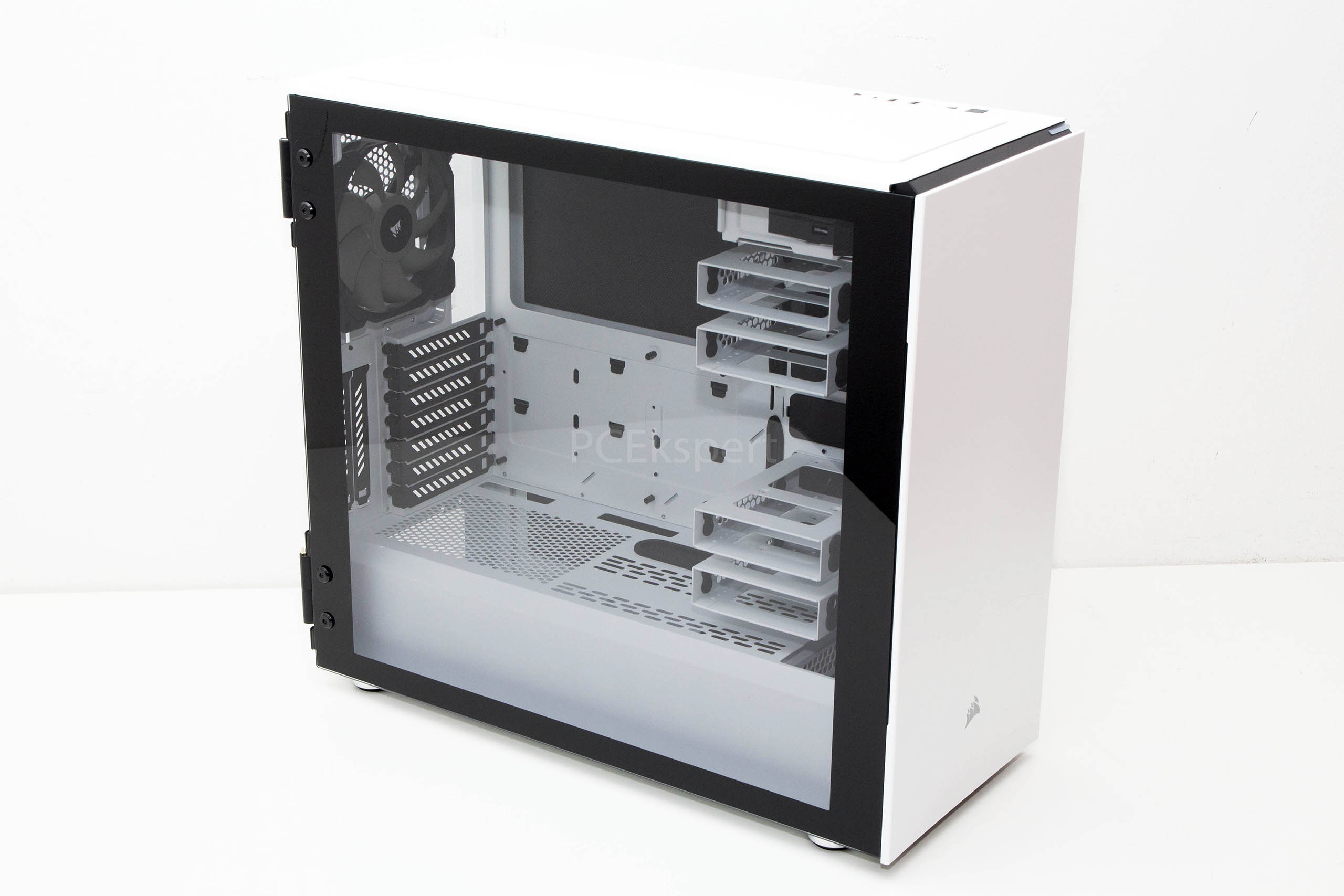 Corsair Carbide 678C White recenzija