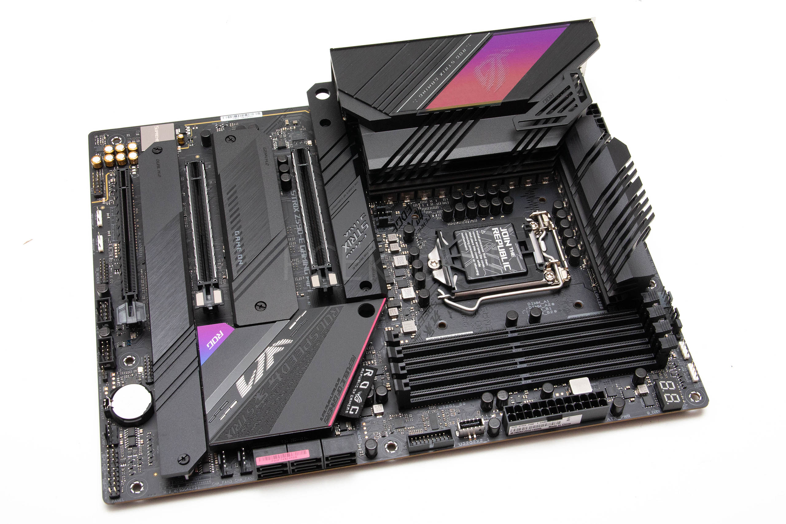 ASUS Strix Z590-E Gaming WiFi recenzija