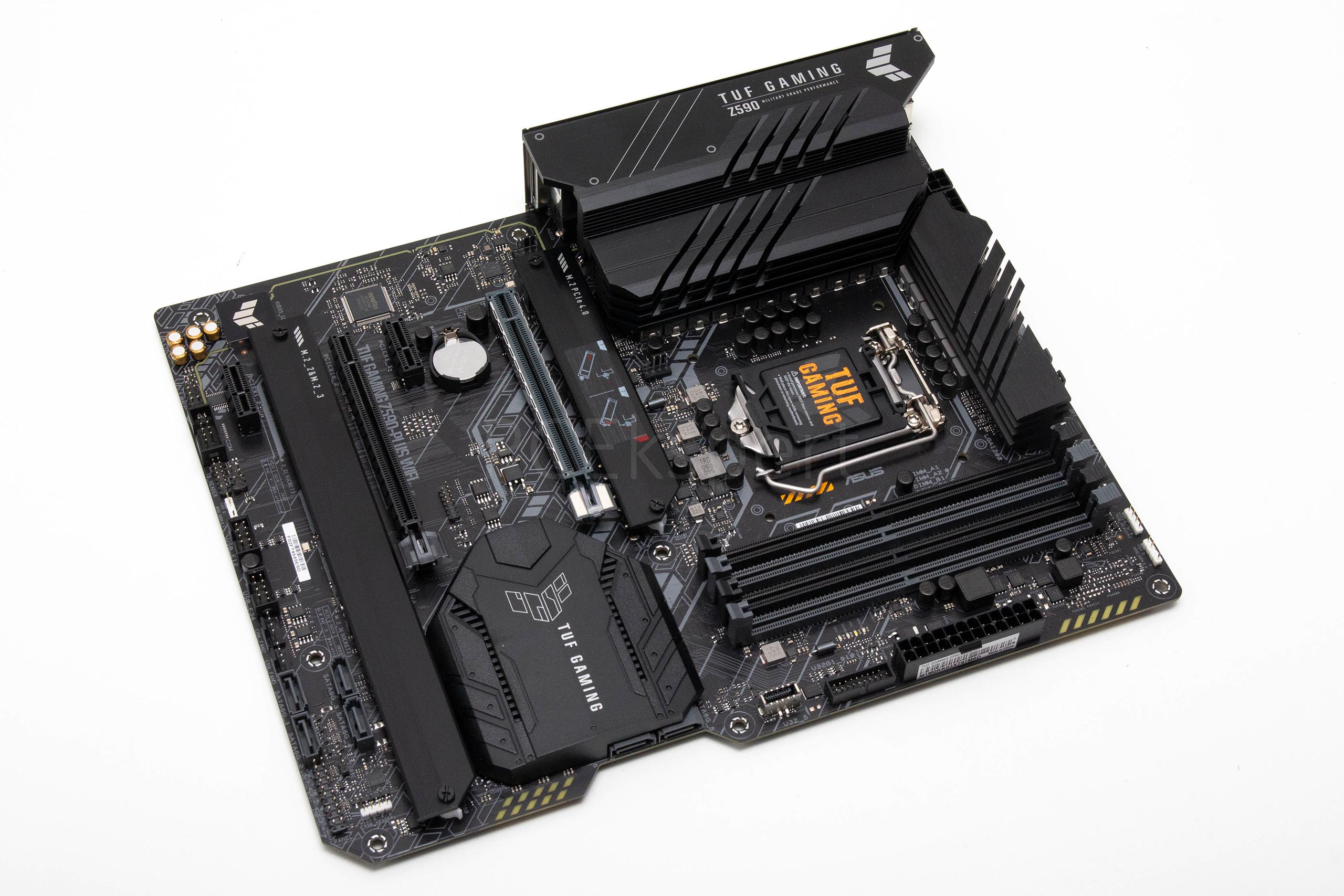 Prvi pogled - ASUS TUF Gaming Z590-Plus WiFi