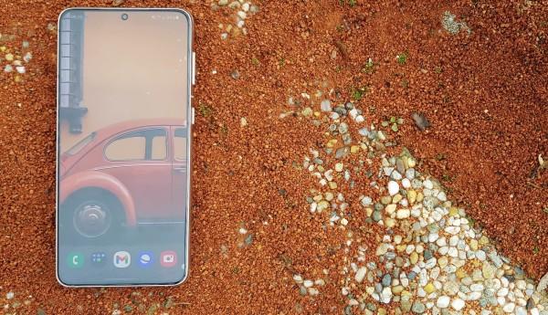 Samsung Galaxy S21 + dizajn  (14)
