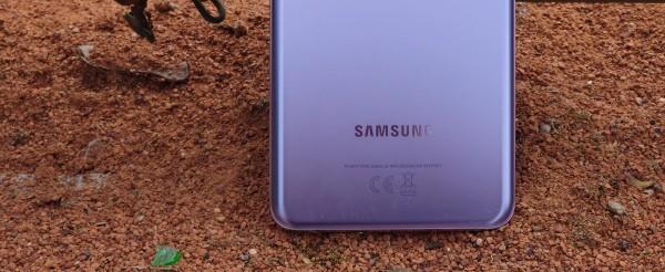Samsung Galaxy S21 + dizajn  (3)