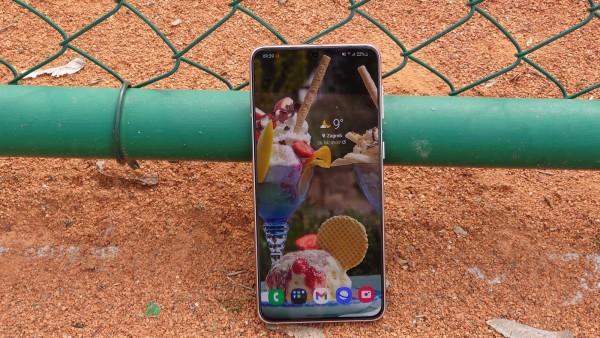 Samsung Galaxy S21 + dizajn  (4)