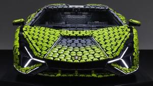 Life-size-LEGO-Technic-Lamborghini-Sian-FKP-37-1