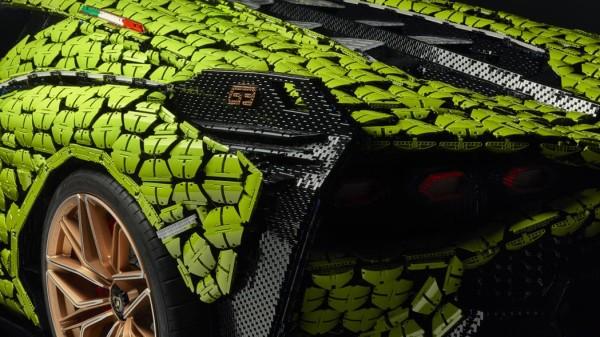 Life-size-LEGO-Technic-Lamborghini-Sian-FKP-37-4