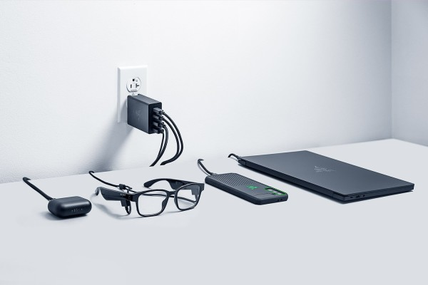 Razer predstavio Blade 14 gaming laptop, Raptor 27 (2021) monitor i USB-C 130W GaN Charger