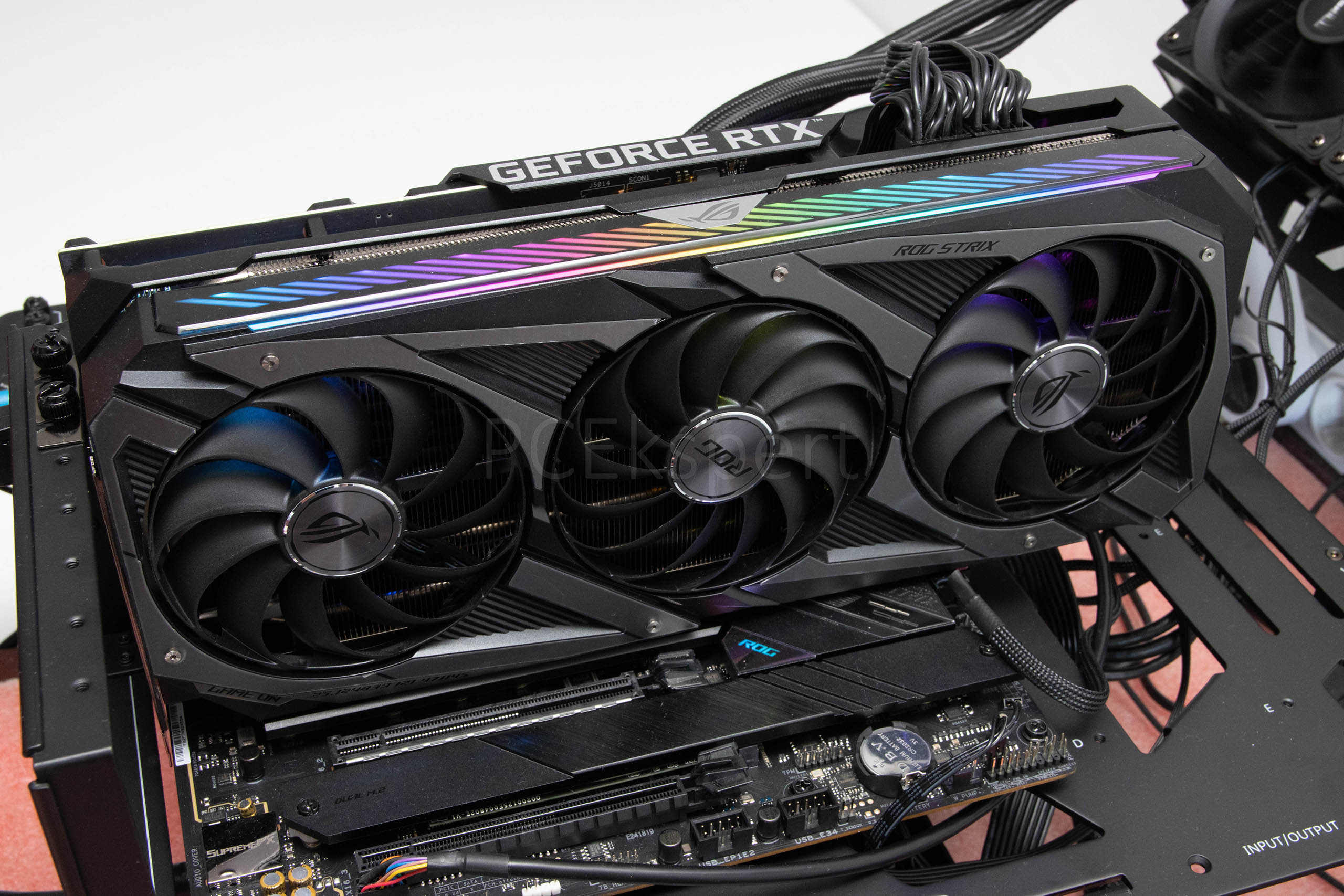 ASUS ROG STRIX GeForce RTX 3070 Gaming OC recenzija
