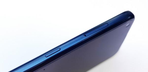 Nokia 5.4. recenzija - dizajn  (15)