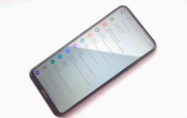 Nokia 5.4. recenzija - dizajn  (4)