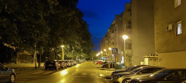Galaxy_A72_noć - žuto svjetlo