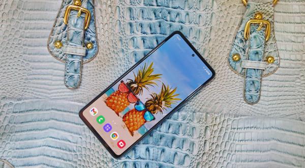 Samsung Galaxy A72 (1)